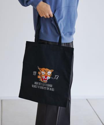 CPCM(シーピーシーエム) トラ刺繍キャンバストートバッグ