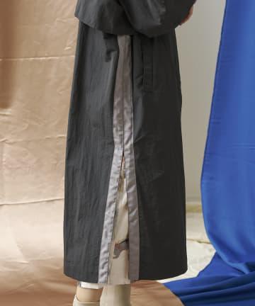 mona Belinda(モナ ベリンダ) サイドテープナイロンケープコート