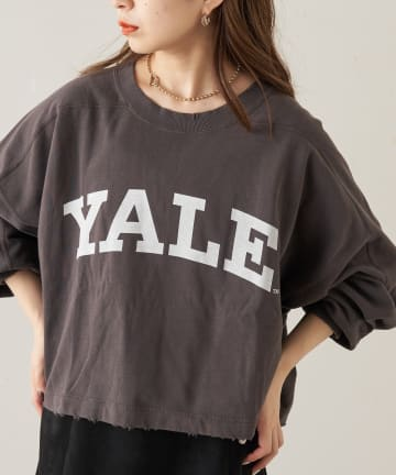 who's who Chico(フーズフーチコ) YALE デカロゴショートスウェット