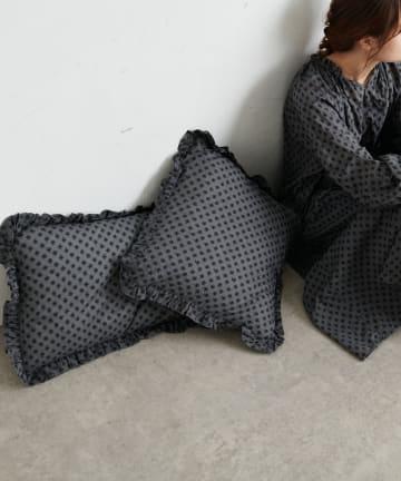 pual ce cin(ピュアルセシン) 綿帽子刺繍クッションL