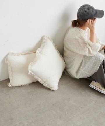 pual ce cin(ピュアルセシン) 綿帽子刺繍クッションS