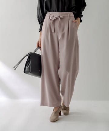 La boutique BonBon(ラブティックボンボン) 《予約》【美人映えパンツ】ツイルベルト付ワイドパンツ