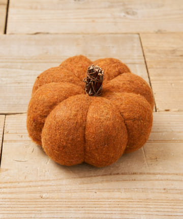 salut!(サリュ) 【ハロウィンの演出に!】フェルトの大きいかぼちゃ(オレンジ)