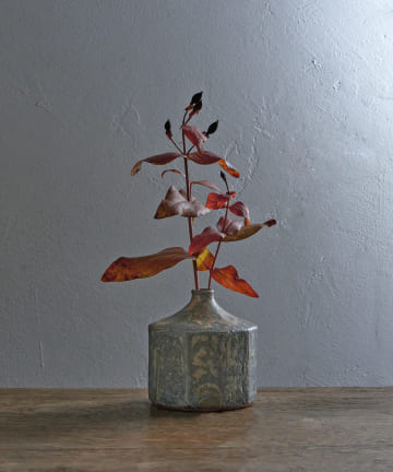 LIVETART(リヴェタート) 《ヤマシタマユ美》錆グレー花器