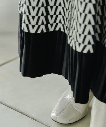 mona Belinda(モナ ベリンダ) 裾プリーツ柄ニットスカート