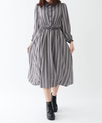 OLIVE des OLIVE OUTLET(オリーブ・デ・オリーブ アウトレット) 幾何ストライプ柄配色衿ワンピース
