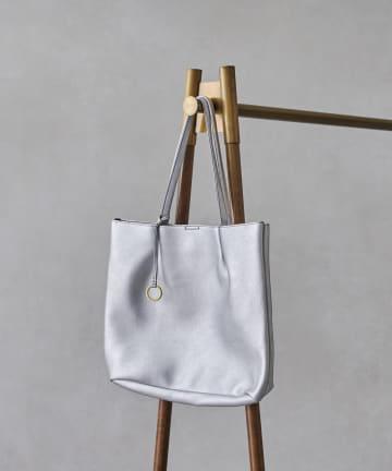 Chez toi(シェトワ) 【WEB限定】チャーム付フェイクレザーダブルタックトートバッグ