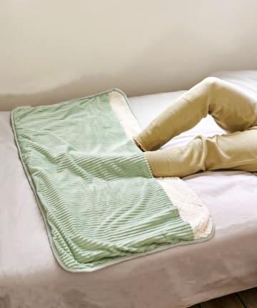 3COINS(スリーコインズ) 【おうちで冬ごもり】足入れ敷毛布