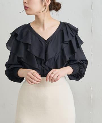 natural couture(ナチュラルクチュール) 【WEB限定】おしゃれラッフルデザインブラウス