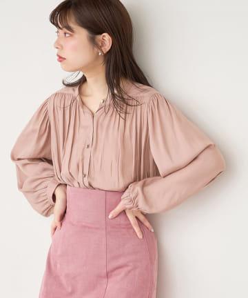 natural couture(ナチュラルクチュール) 【WEB限定カラー有り】マット釦とろみサテンブラウス