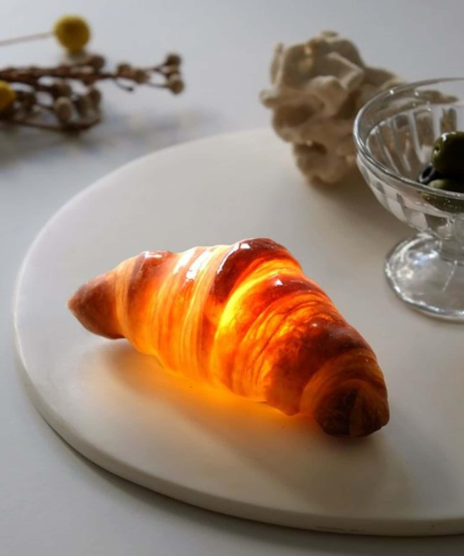 BIRTHDAY BAR(バースデイバー) PAMPSHADE Croissant パンプシェード