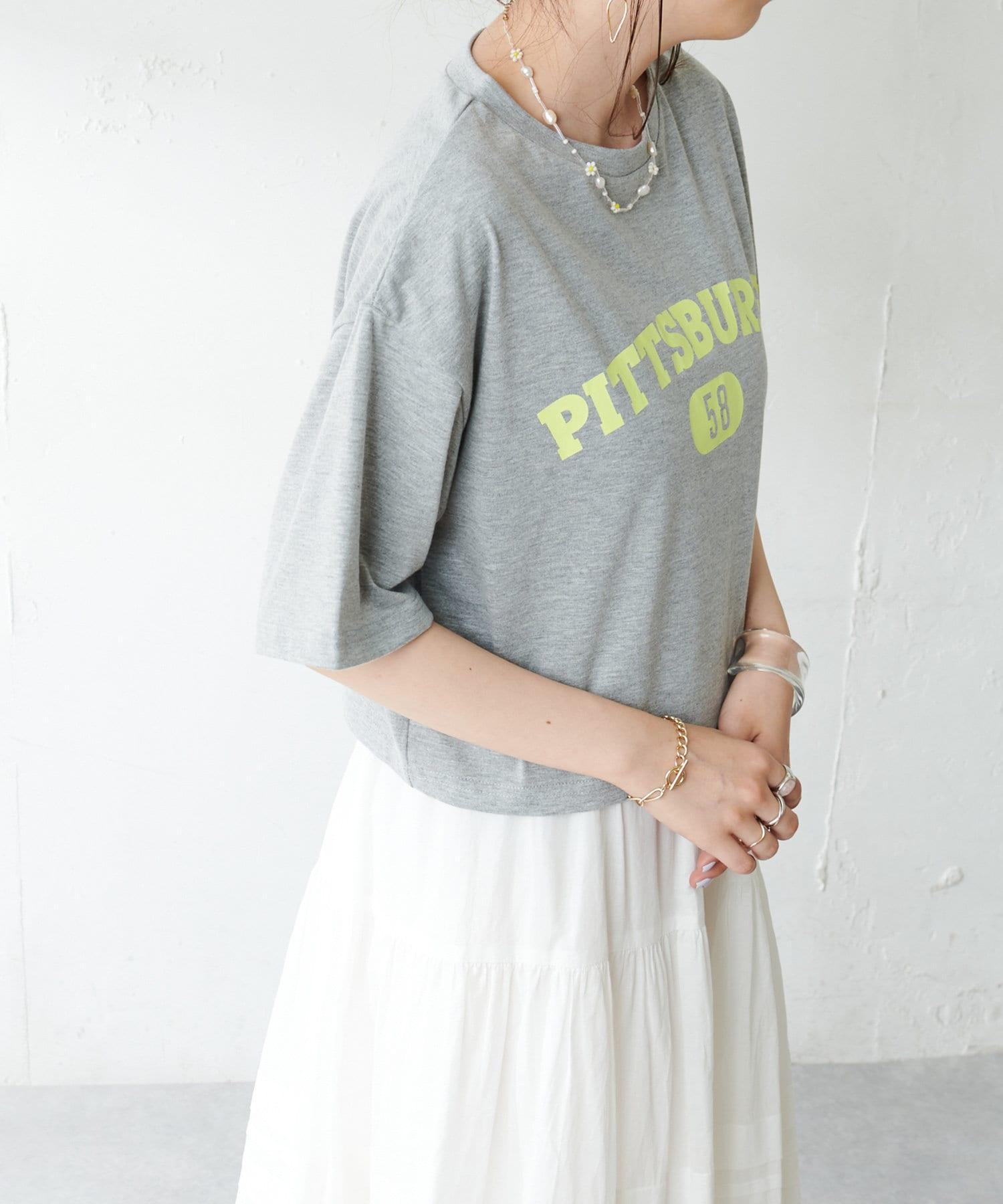 Discoat(ディスコート) 【WEB限定】カレッジロゴTシャツ