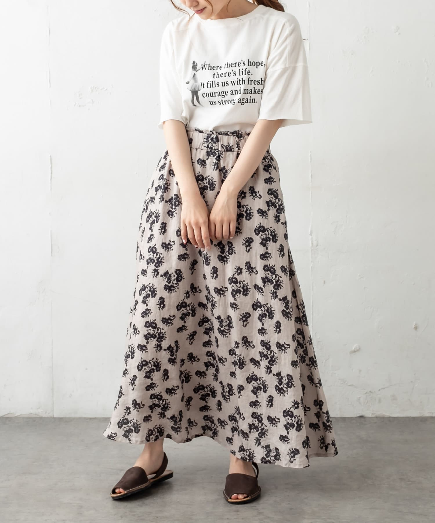pual ce cin(ピュアルセシン) 麻キャンバス中花プリントスカート