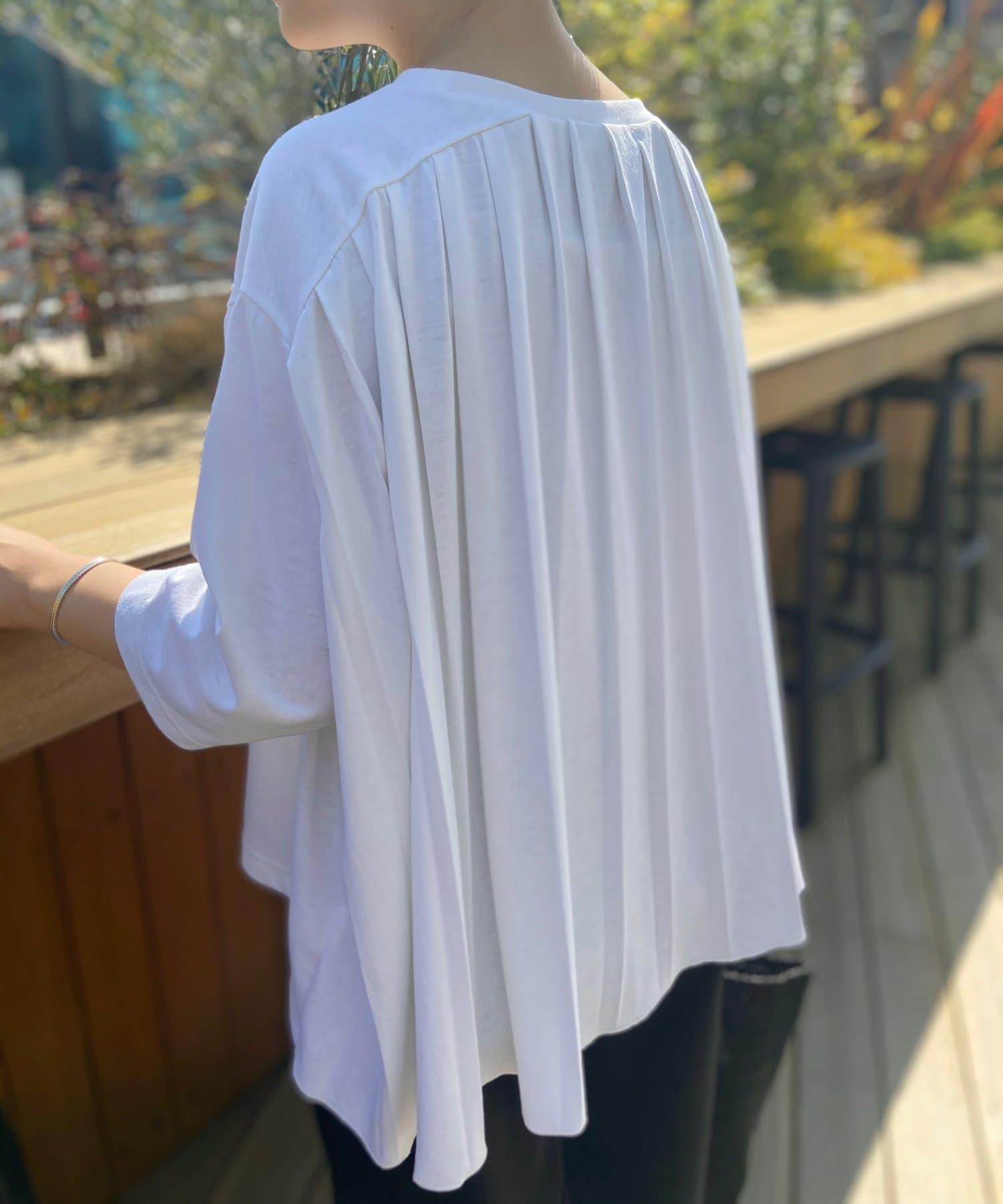 BEARDSLEY(ビアズリー) 《5/3(月)12:00 予約スタート》後ろプリーツユルTシャツ