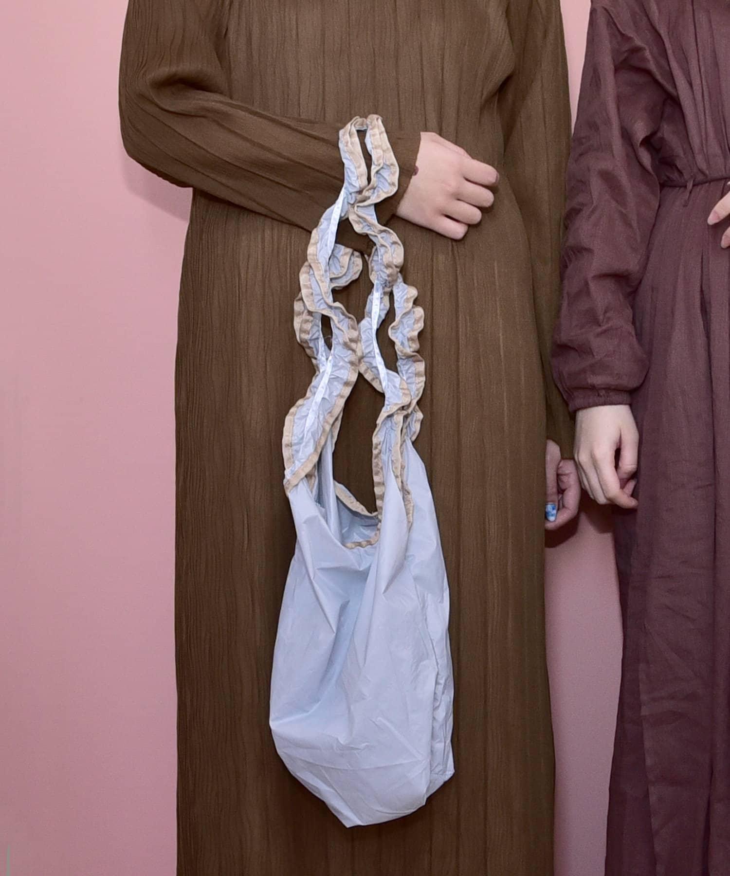 3COINS(スリーコインズ) 【ワタシの毎日を彩る】フリルバッグ