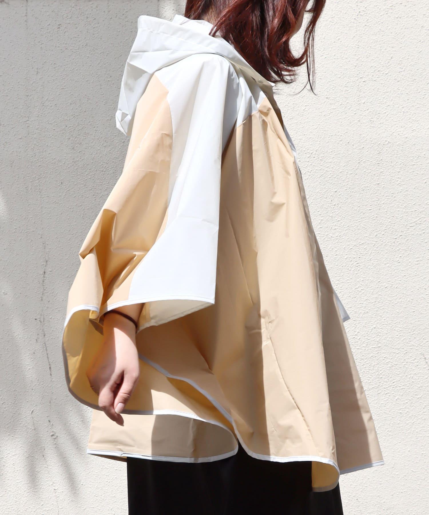 3COINS(スリーコインズ) ライフスタイル 【Enjoy Rainy Days】巾着付き切り替えレインポンチョ ベージュ
