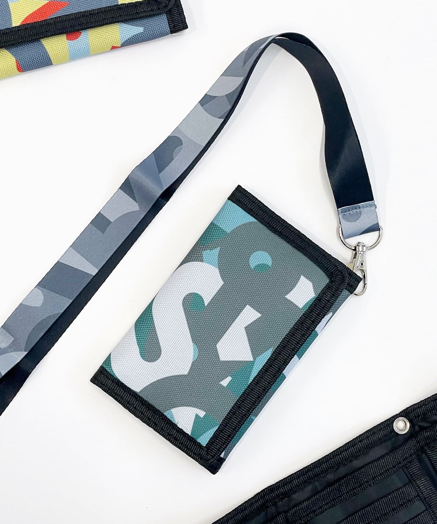 3COINS(スリーコインズ) 【ASOKO】<CAMOシリーズ>折りたたみ財布