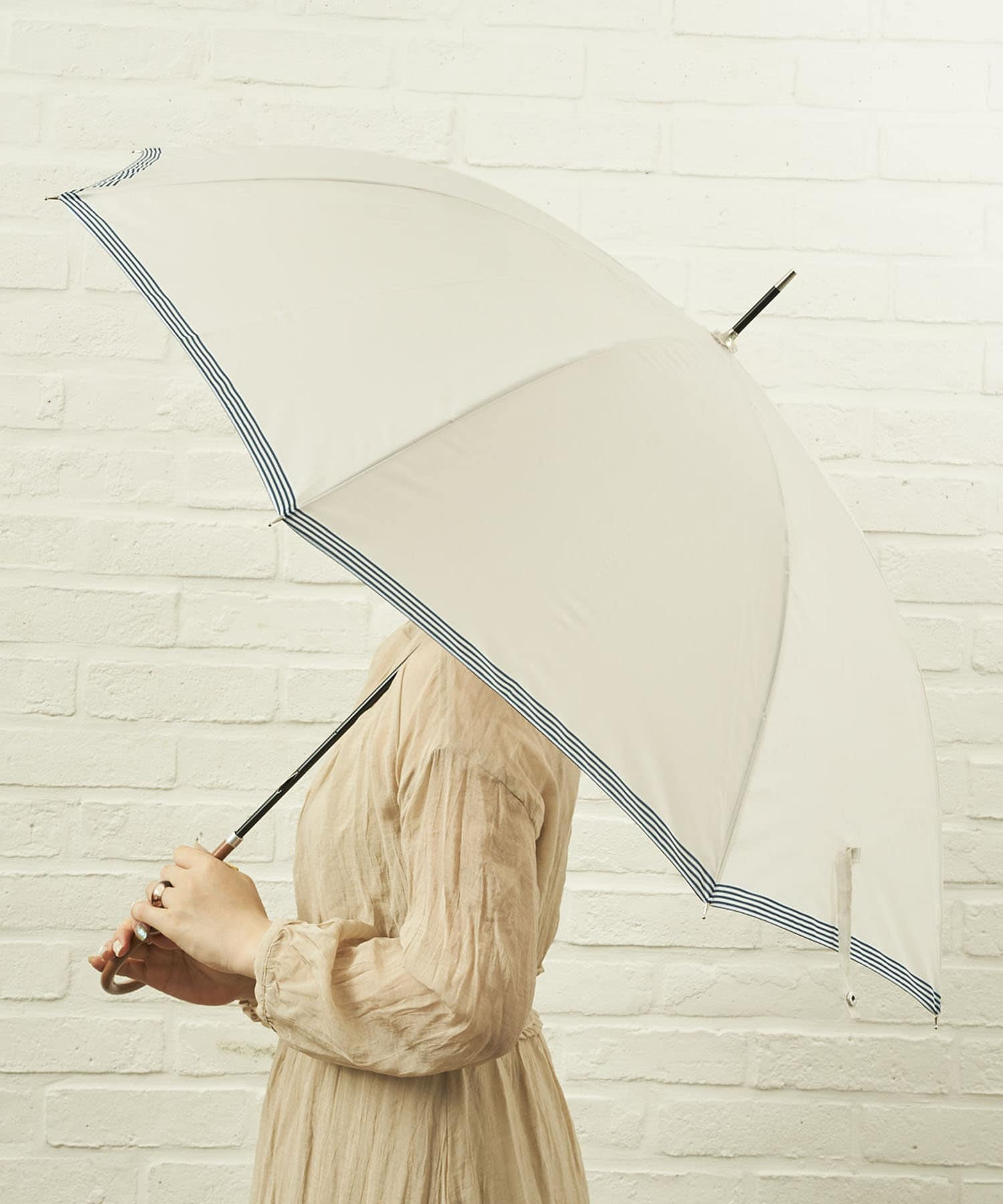 salut!(サリュ) ライフスタイル 雨傘長裾ボーダー(アイボリー) その他