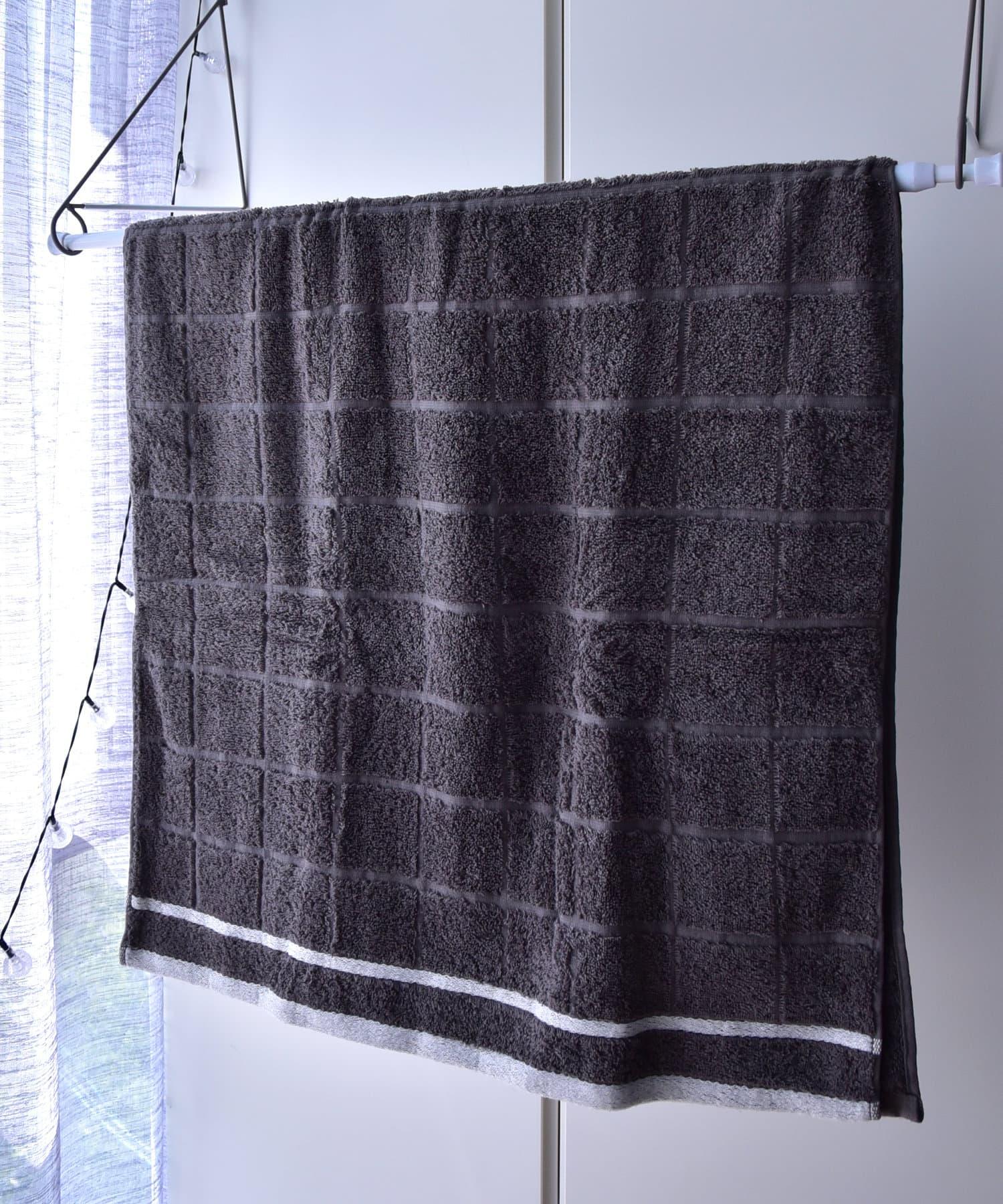 3COINS(スリーコインズ) 梅雨の時期の為だけに開発したバスタオル