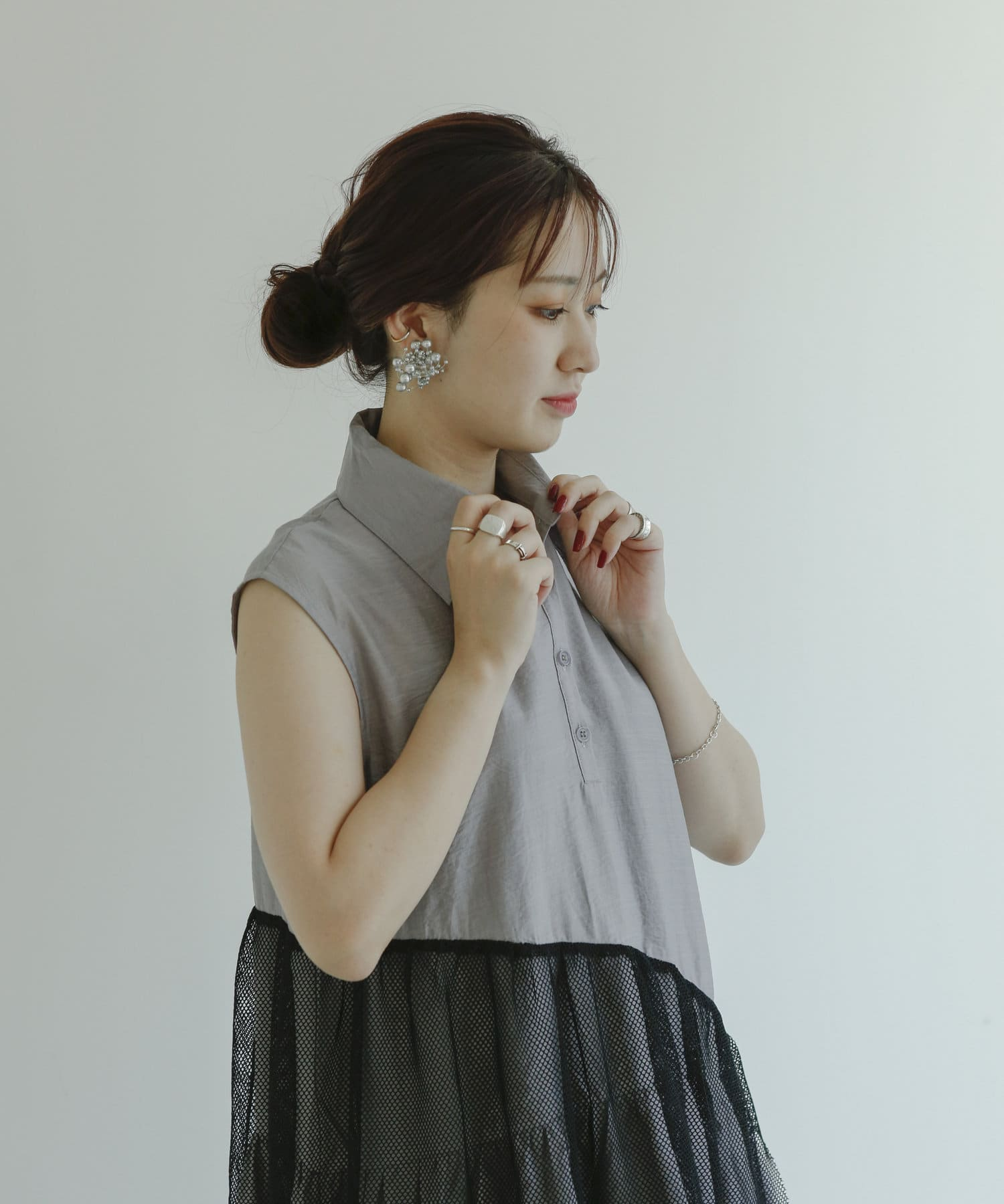 mona Belinda(モナ ベリンダ) 【着用動画あり】メッシュ切替ノースリブラウス