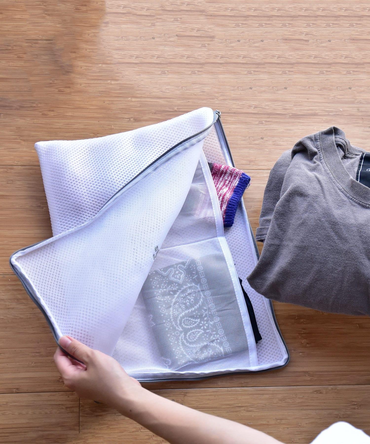 3COINS(スリーコインズ) ライフスタイル 【お洗濯をより快適に】ポケット付きランドリーネット グレー