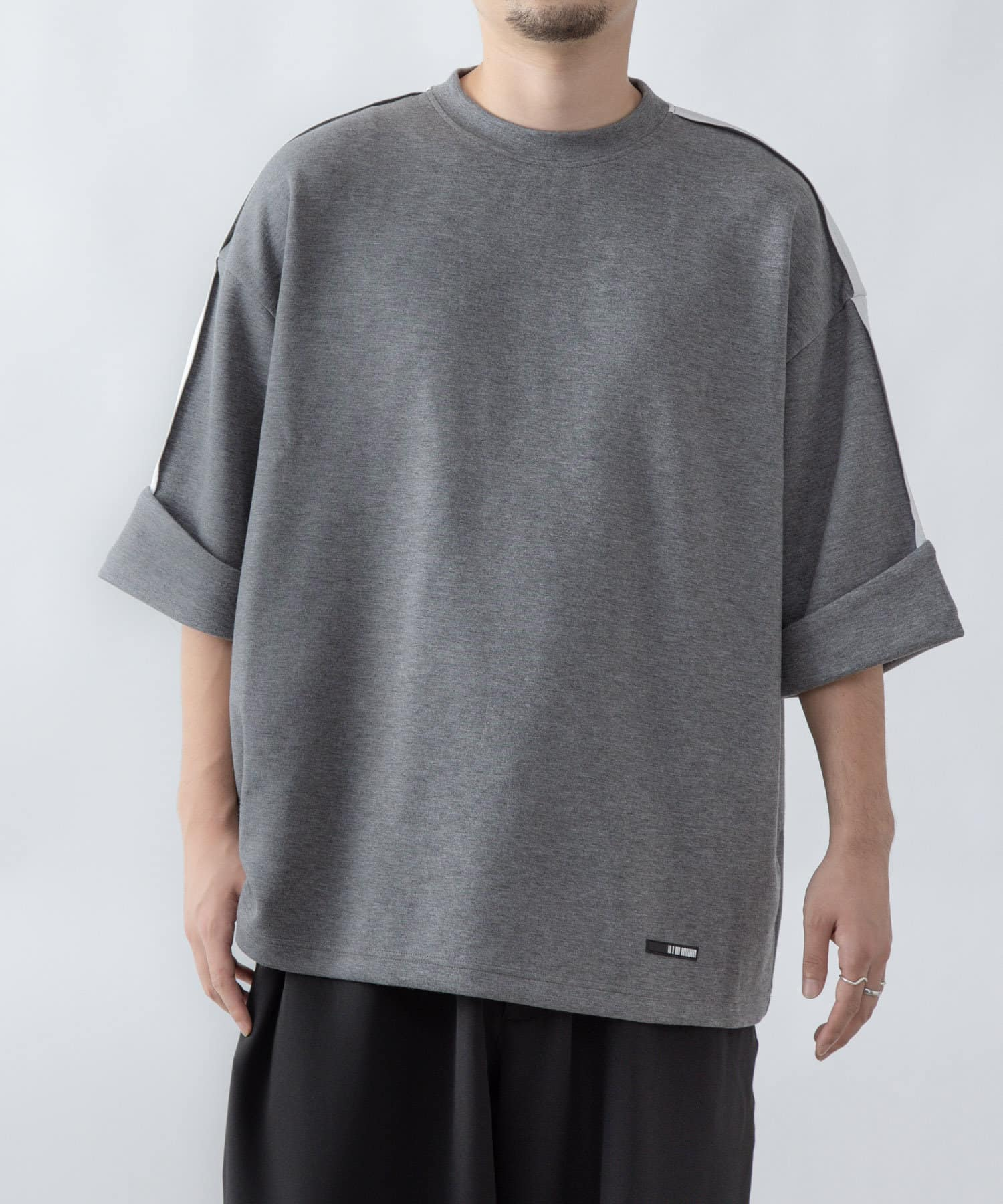 COLONY 2139(コロニー トゥーワンスリーナイン) ダンボールトロールアップ袖ビッグシルエットTシャツ※ユニセックス対応