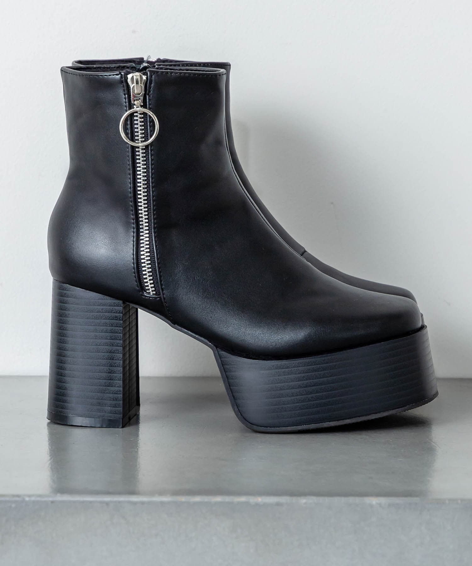 RASVOA(ラスボア) サイドジップ厚底ブーツ