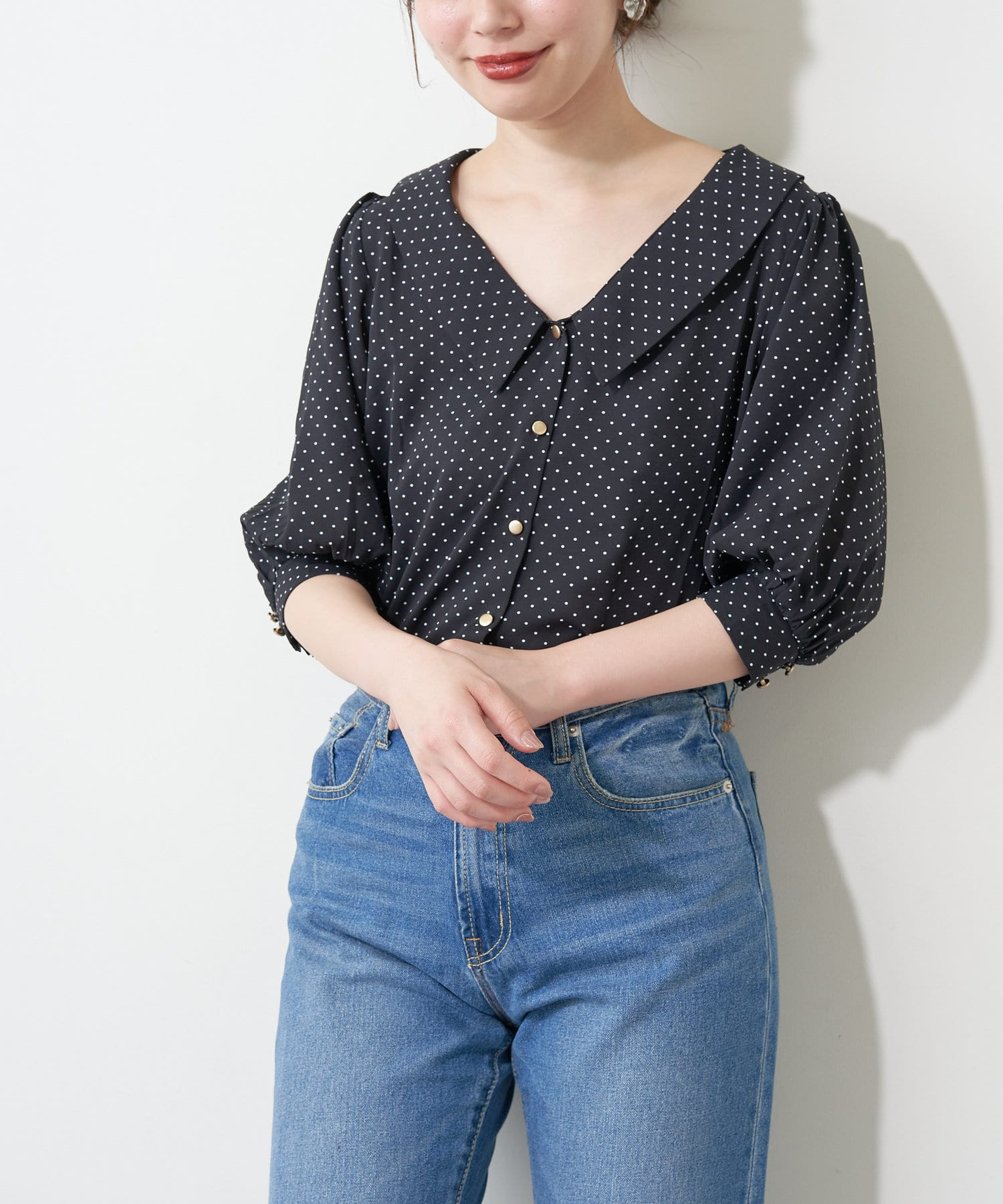 natural couture(ナチュラルクチュール) 【WEB限定】深V衿付きおしゃれブラウス