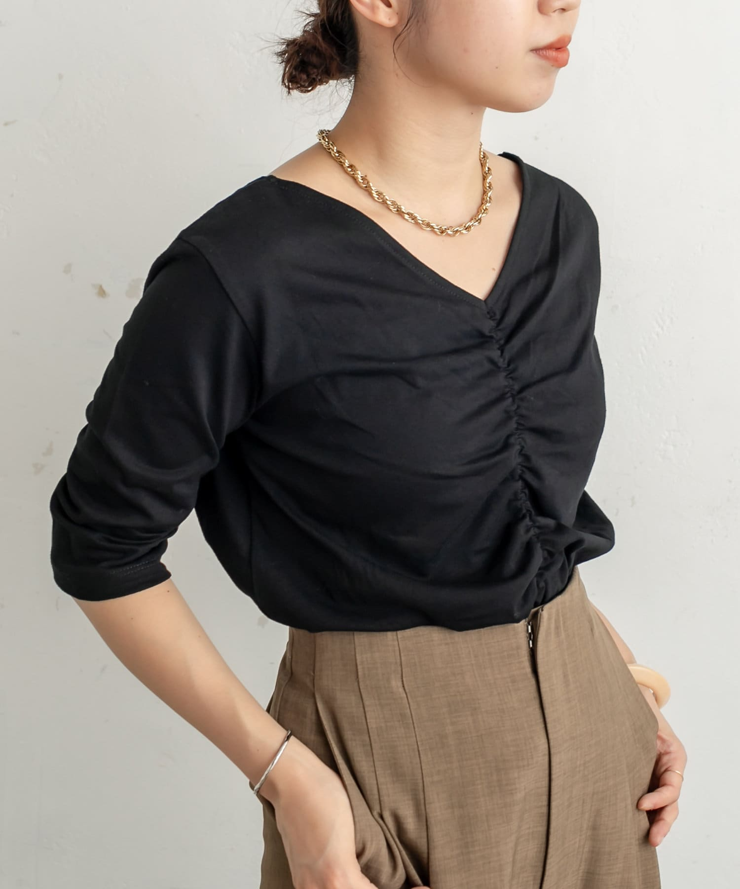 Omekashi(オメカシ) VシャーリングTシャツ