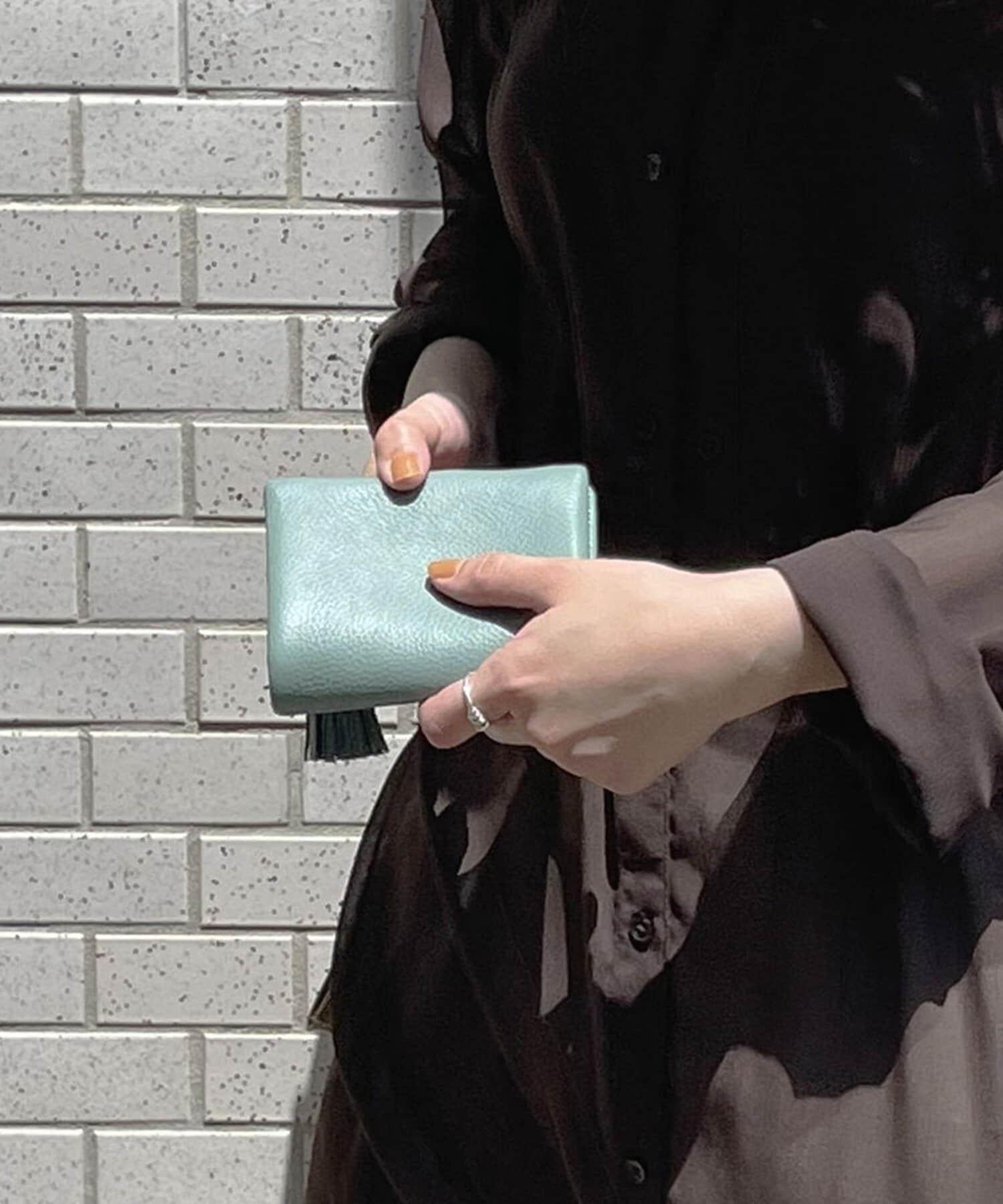 BIRTHDAY BAR(バースデイバー) 【BEAURE ビュレ】タッセル付 カウレザー2つ折り財布