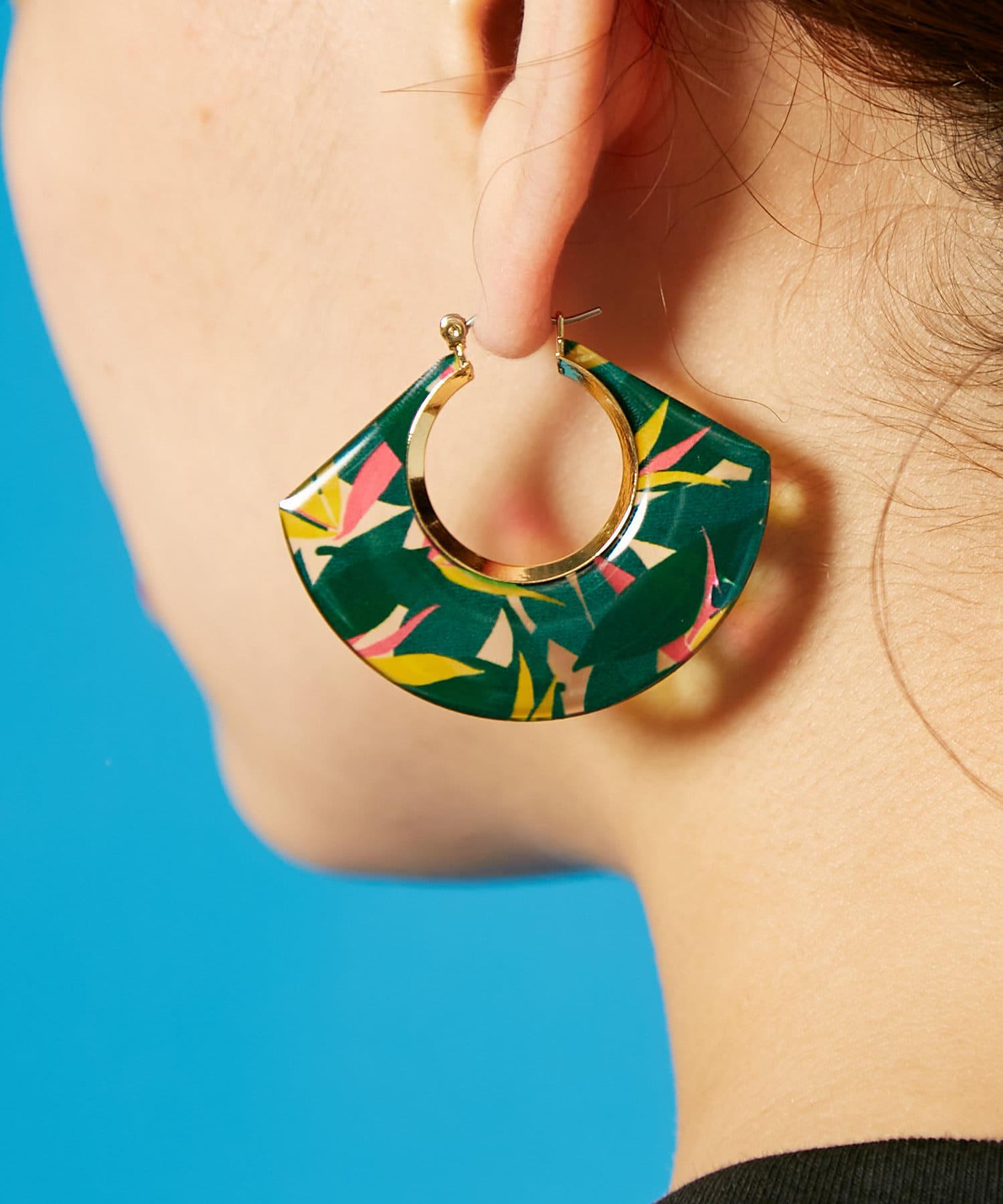 ear PAPILLONNER(イア パピヨネ) (WEB限定:グリーン)クリア樹脂プリントピアス