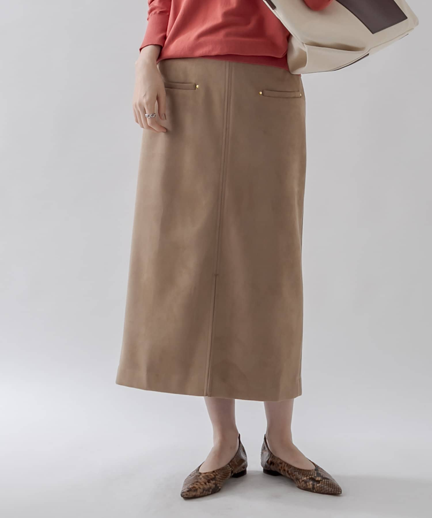 un dix cors(アンディコール) 【女性らしいシルエット】ダンボールスェードナロースカート