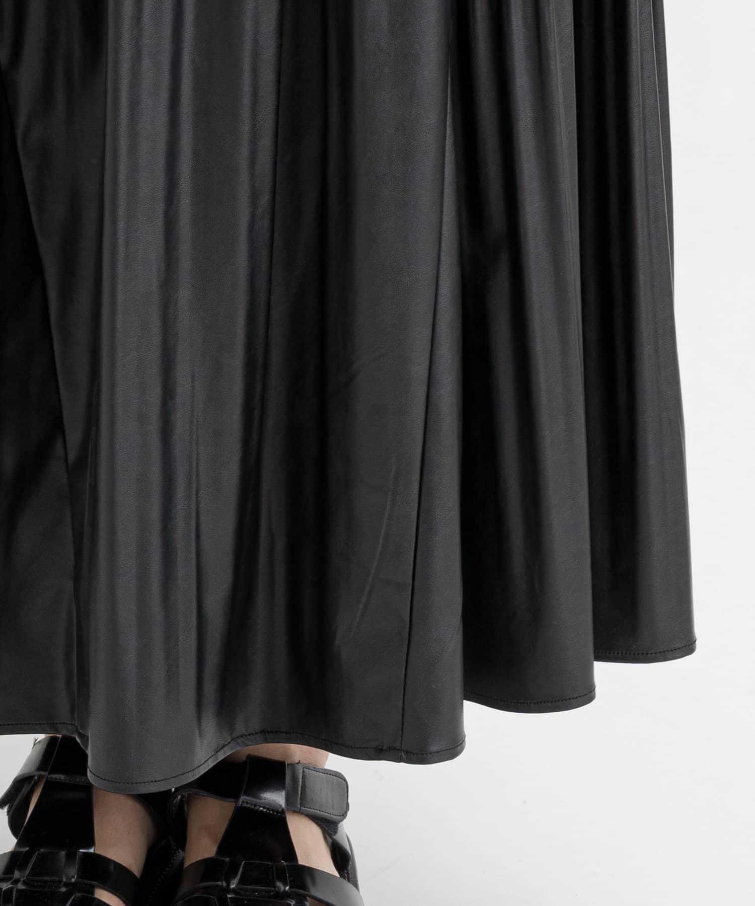 PLUS OTO.HA(プラス オトハ) ライトウエイトフェイクレザースカート