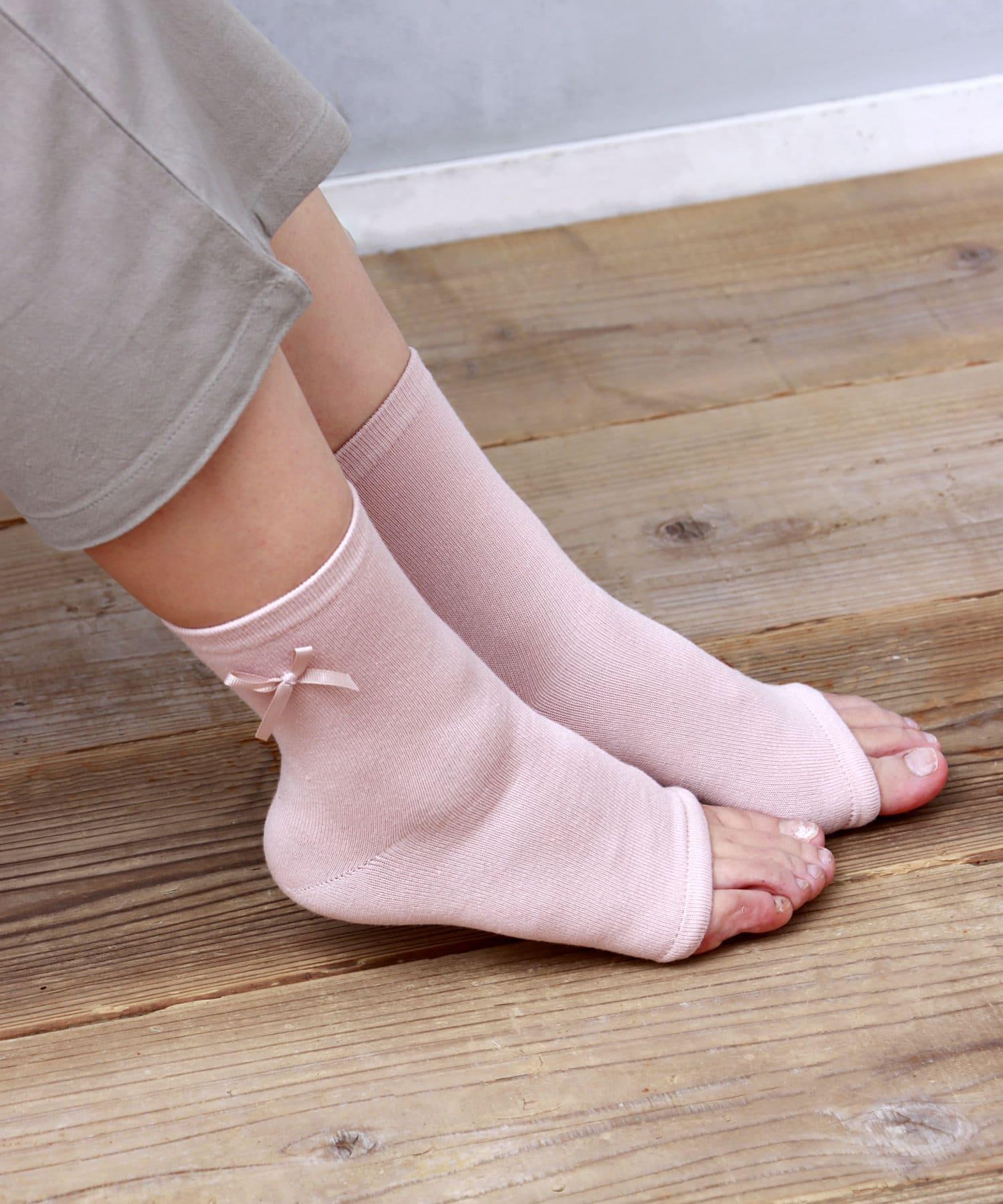3COINS(スリーコインズ) ライフスタイル 【就寝時の集中肌ケア】かかと保湿用ソックス ピンク